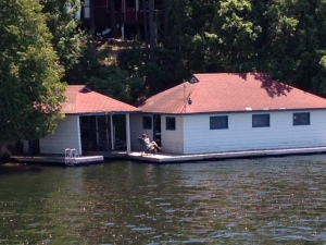 A cottage on the Rideau