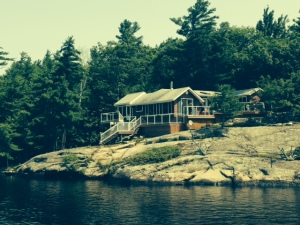 Just like the many island cottages along the Trent Severn....I could live here....
