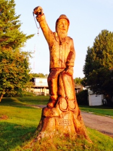 This statue is actually a tree trunk that someone carved into this maritime figure