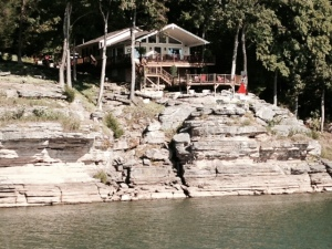 One of many interesting homes along the Tennessee River