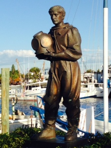 This statue of a diver on the waterfront commemorates the importance of sponge diving to both the history of Tarpon Springs and its current economy
