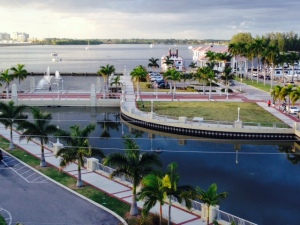 A view of the Caloosahatchee River and the waterfront taken from the 4th floor deck of a downtown restaurant/pub