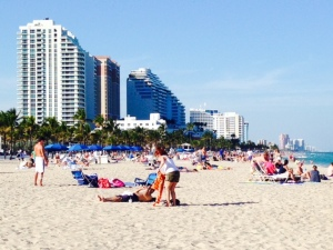 The beach is very active, with plenty of restaurants, shops, and pubs along the boardwalk and plenty of hotels and condominiums overlooking the beach.