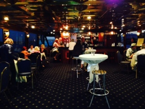 The middle level of the dinner boat, with live music
