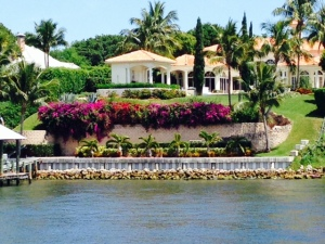 Many beautiful homes along the ICW as well -