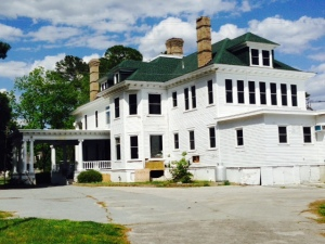 The River Street Manor overlooks the wide Pongo River.  Built in 1904, it was home to a local lumber baron. A renovation is planned to convert the historic building to a venue for special events, uch as weddings.